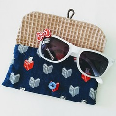 KIDS / MULTI POUCH - NAVY - BOOKS cat