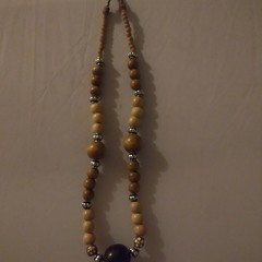 beaded ladies necklace