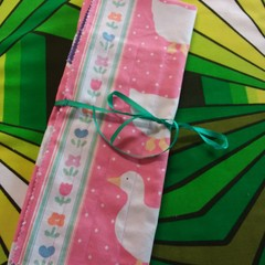 Knitting Needle Wrap-White Ducks on Pink