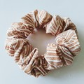 Scrunchie / WHITE x ORANGE - wave