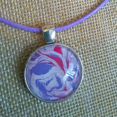 MARBLED ROUND PENDANT Lavender, Red & White Marbling Under a Glass Cabachon
