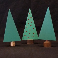 Set of 3 wooden trees