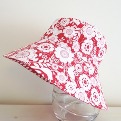 Girls wide brim summer hat in red floral fabric