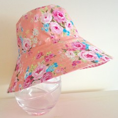 Girls summer hat in floral fabric