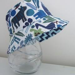 Boys summer hat in jungle animals fabric