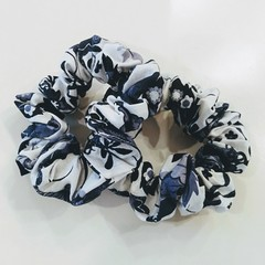 Set of 2 Scrunchies / BLUE - FLOWER