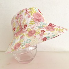 Girls summer hat in soft floral fabric