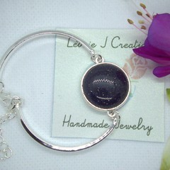 Sterling Silver Bracelet with Black Obsidian stone pendant with free postage