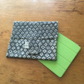 REVERSIBLE I-PAD POUCH