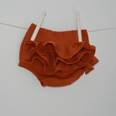 Cotton linen ruffle bloomers / girls frilly bloomers/ sizes newborn to 3 years