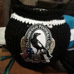 HAND CROCHET AFL CLUBS LAWN BOWLS BUDDIES/BEANIES Set of 4 ALL CLUBS AVAILABLE