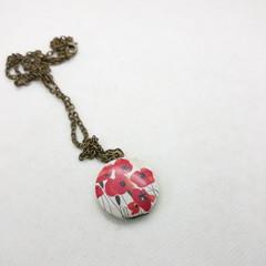 Poppy Round Locket