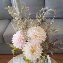 Dahlia - Peaches and Cream    crepe paper flowers, handmade flowers, room decor.