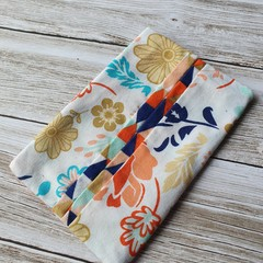 Tissue holder floral patterned quilting cotton fabric