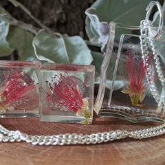 Stunning Square Bottlebrush Set