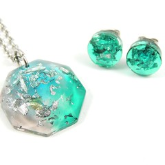 Blue, green & pink gift set