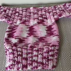 Hand knitted jumper (0 - 6  months) - washable