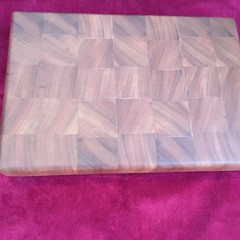 Spotted gum chopping board end grain