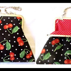 Cherry Clutch with shoulder chain