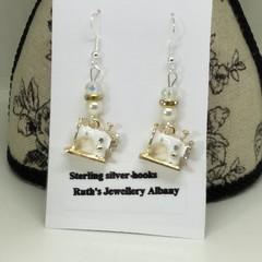 Sewing machine earrings White