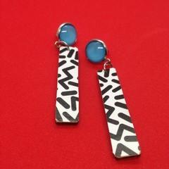 Black/white stick earrings