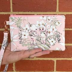 Wristlet - Flannel Flowers Pink