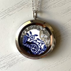 Floating Swarovski/Blue Willow Pendant