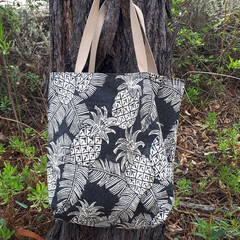 TOMMY BAHAMAS PINEAPPLE/CHEVRON REVERSIBLE TOTE