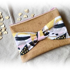 Abstract Pink/Gold Bow Clutch