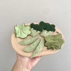 Green veggies,  felt food, play kitchen, pretend food, pure new wool felt