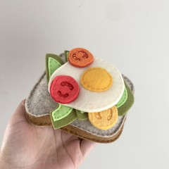 Avo on toast, felt food, play kitchen, pretend food, pure new wool felt