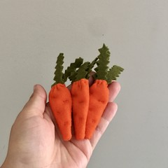 Carrots, felt food, play kitchen, pretend food, pure new wool felt