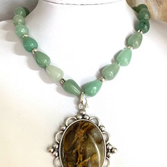 Genuine GREEN AVENTURINE Beaded Necklace with Oval LODOLITE Quartz Pendant.
