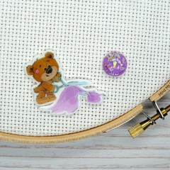 Needle Minder |  SEW BEARABLE  Bear #5 | Needleminder | Magnet for Cross Stitch,