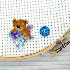 Needle Minder | SEW BEARABLE  Bear #3  | Needleminder | Magnet for Cross Stitch,