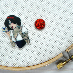 Needle Minder | Rebel Princess Snow White | Needleminder | Magnet for Cross Stit
