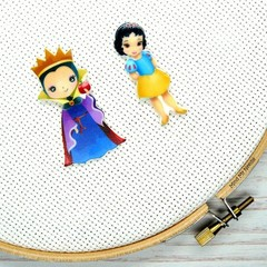 Needle Minder | Interchangeable Snow White and Queen Grimhilde | Needleminder |
