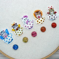 Needle Minder | Teacup Kitty #1 | Magnet for Cross Stitch & Embroidery