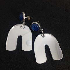 U shaped silver mirror acrylic earrings