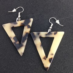 Acrylic pale tortoiseshell triangle earrings