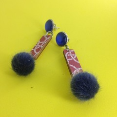 Printed stick with pompon earrings