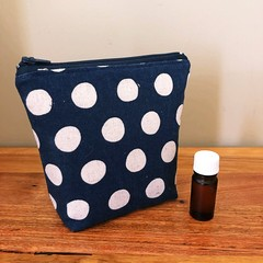 Essential Oil Pouch 5 slots - Navy with dots