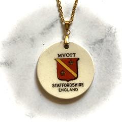 Myott pendant