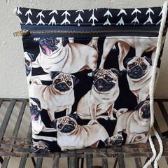 PUG POUCH/CROSS BODY ZIPPER BAG