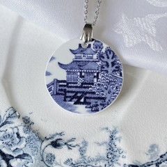 Booths Blue Willow Pavillion scene pendant