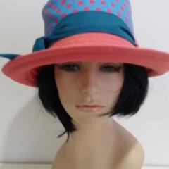 Laura Hat.