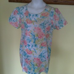 Floral A-line top with sleeves