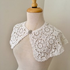 vintage lace collar, crocheted collar, white lace collar