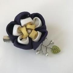 TSUMAMI ZAIKU Flower Brooch [NavyxYellow]