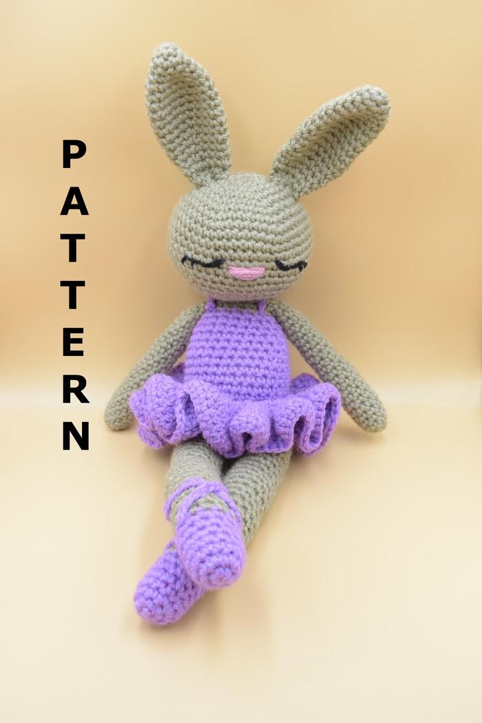 Cuddle Me Bunny amigurumi pattern - Amigurumi Today | 1050x700